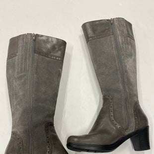 Photo #2 - BRAND: CLARKS STYLE: BOOTS KNEE COLOR: GREY SIZE: 7 SKU: 200-20012-8890