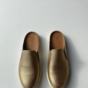 Primary Photo - BRAND: FRYE STYLE: SHOES FLATS COLOR: GOLD SIZE: 6.5 SKU: 200-200199-10042