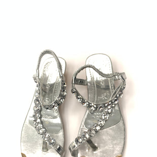 Primary Photo - BRAND:    CLOTHES MENTOR STYLE: SANDALS LOW COLOR: SILVER SIZE: 7.5 OTHER INFO: MEISHACNU - SKU: 200-200204-1093