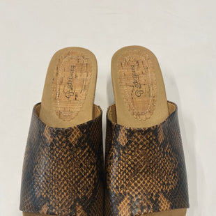 Primary Photo - BRAND: BARE TRAPS STYLE: SANDALS LOW COLOR: SNAKESKIN PRINT SIZE: 9.5 SKU: 200-200199-14909