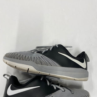 Primary Photo - BRAND: NIKE STYLE: SHOES ATHLETIC COLOR: GREY SIZE: 6.5 SKU: 200-200202-3477