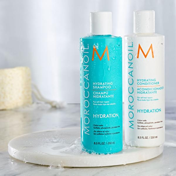 Moroccanoil Gift Pack Hydrating Shampoo+ Conditioner Free Moroccan Oil, 525Ml