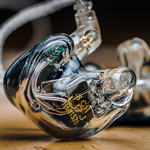 qdc 8CH custom in-ear monitor