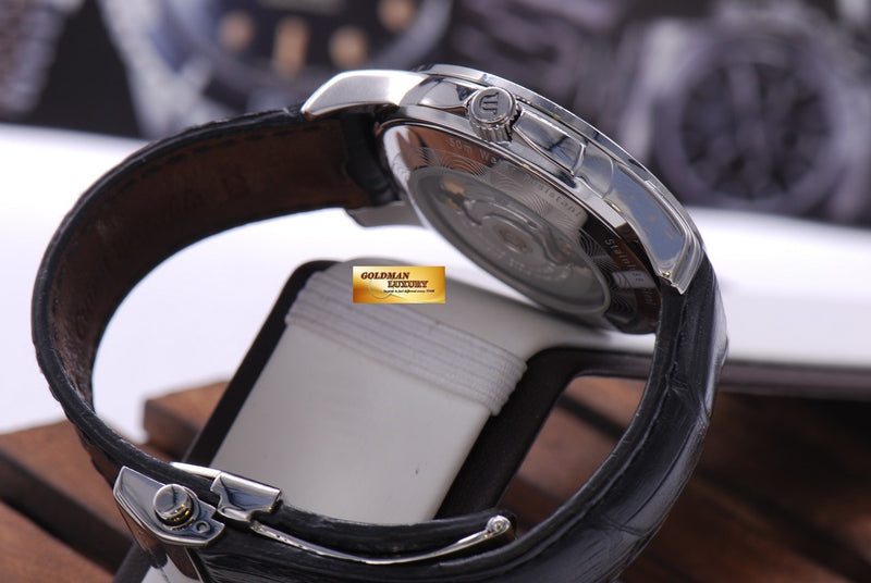 products/GML1002_-_Maurice_Lacroix_Day-Date_39mm_Automatic_NEAR_MINT_-_6.JPG
