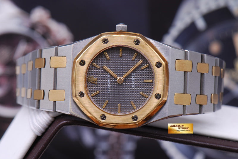 products/GML1013_-_Audemars_Piguet_Royal_Oak_Ladies_26mm_Quartz_Near_Mint_-_4.JPG