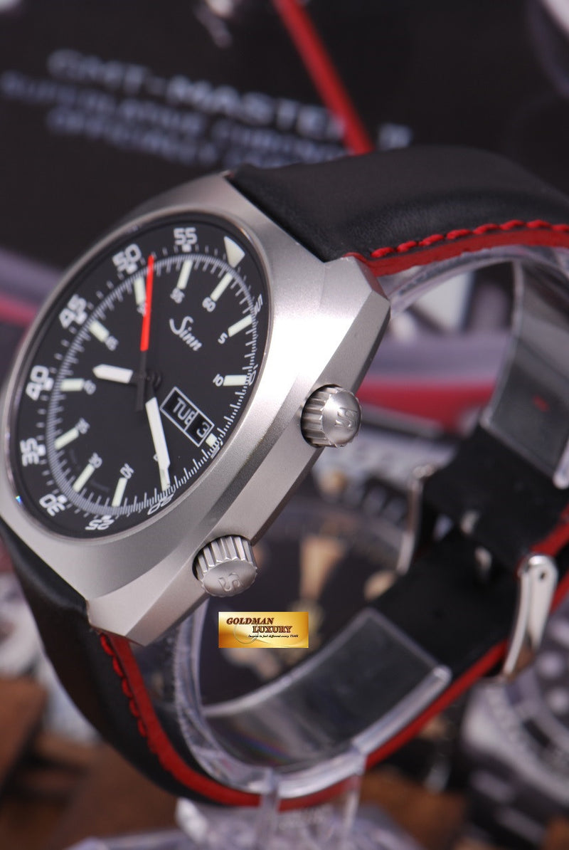 products/GML1022_-_Sinn_240_ST_with_interior_Pilot_Bezel_Automatic_MINT_-_2.JPG