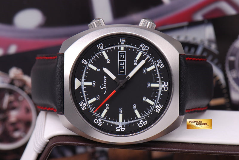 products/GML1022_-_Sinn_240_ST_with_interior_Pilot_Bezel_Automatic_MINT_-_5.JPG