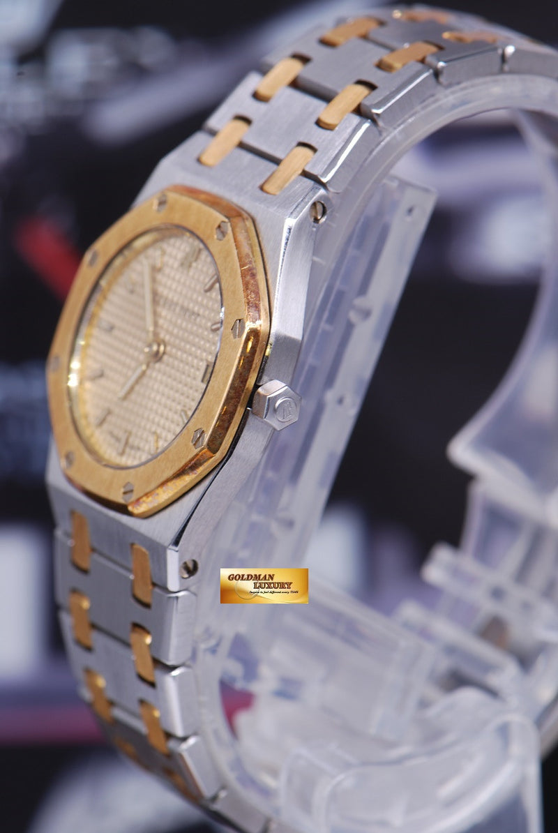 products/GML1217_-_Audemars_Piguet_Royal_Oak_Ladies_Half-Gold_24mm_Quartz_Near_Mint_-_2.JPG