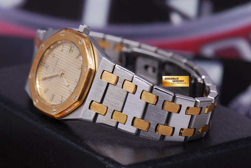 products/GML1217_-_Audemars_Piguet_Royal_Oak_Ladies_Half-Gold_24mm_Quartz_Near_Mint_-_7.JPG