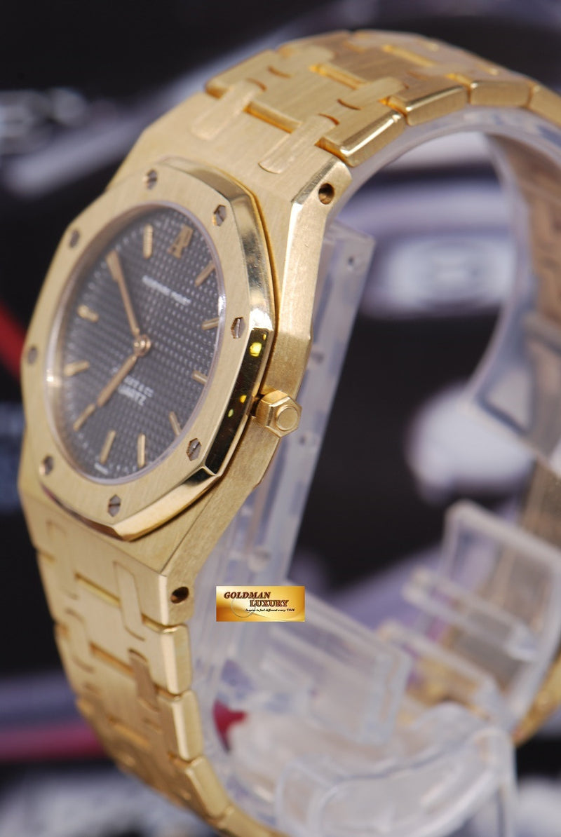 products/GML1218_-_Audemars_Piguet_Royal_Oak_Ladies_18K_Gold_30mm_Quartz_Near_Mint_-_2.JPG