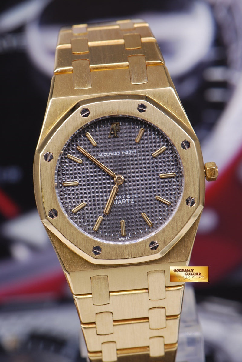 products/GML1218_-_Audemars_Piguet_Royal_Oak_Ladies_18K_Gold_30mm_Quartz_Near_Mint_-_4.JPG