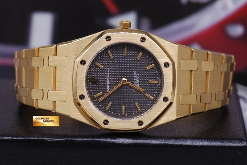 products/GML1218_-_Audemars_Piguet_Royal_Oak_Ladies_18K_Gold_30mm_Quartz_Near_Mint_-_5.JPG
