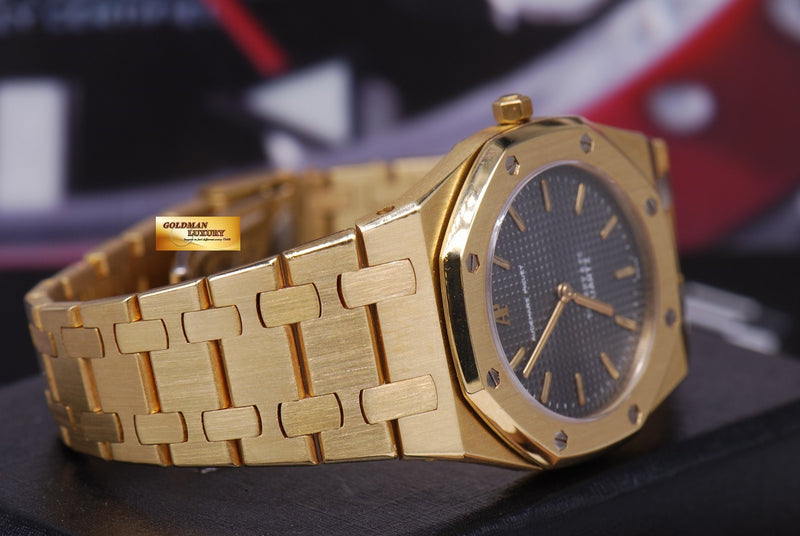 products/GML1218_-_Audemars_Piguet_Royal_Oak_Ladies_18K_Gold_30mm_Quartz_Near_Mint_-_6.JPG