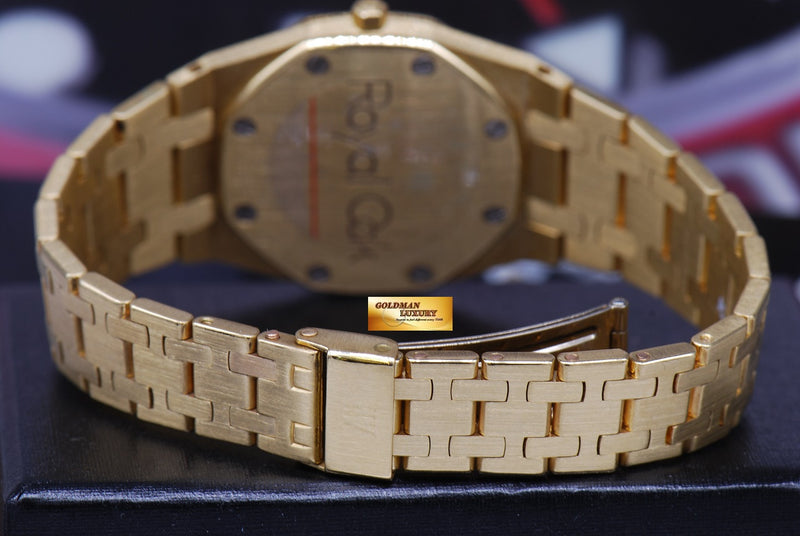 products/GML1218_-_Audemars_Piguet_Royal_Oak_Ladies_18K_Gold_30mm_Quartz_Near_Mint_-_9.JPG