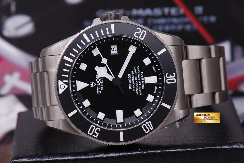 products/GML1222_-_Tudor_Pelagos_Titanium_41mm_In-House_Mvt_25600T_Near_Mint_-_11.JPG