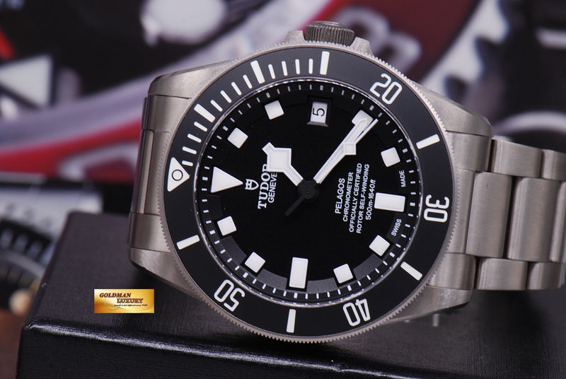products/GML1222_-_Tudor_Pelagos_Titanium_41mm_In-House_Mvt_25600T_Near_Mint_-_12.JPG