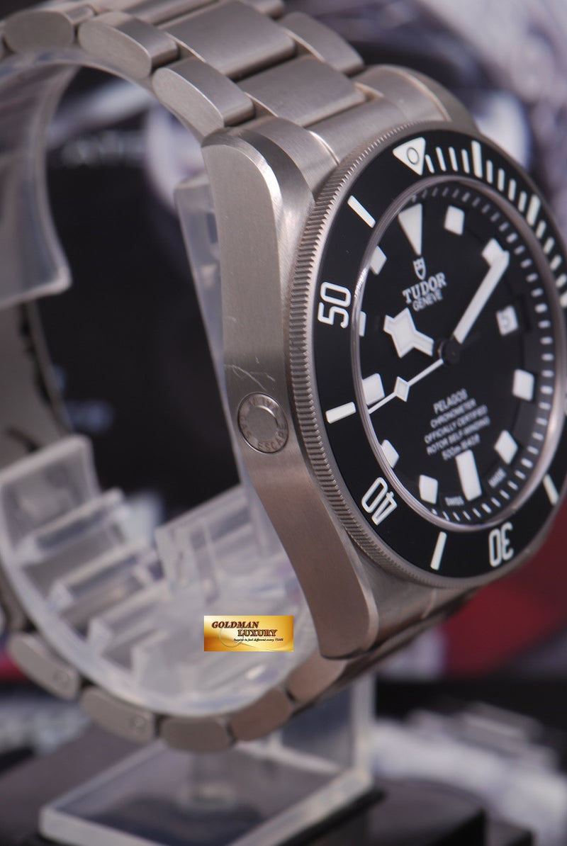 products/GML1222_-_Tudor_Pelagos_Titanium_41mm_In-House_Mvt_25600T_Near_Mint_-_3.JPG
