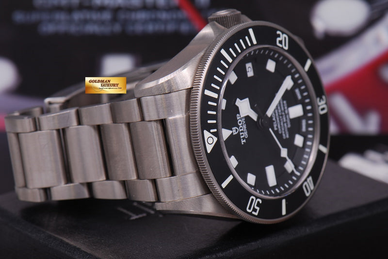 products/GML1222_-_Tudor_Pelagos_Titanium_41mm_In-House_Mvt_25600T_Near_Mint_-_6.JPG