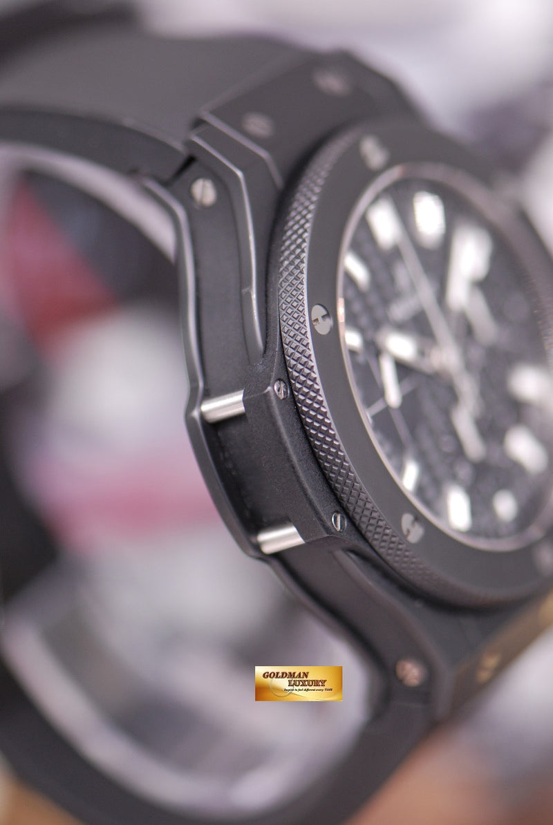 products/GML1266_-_Hublot_Big_Bang_Full_Black_Ceramic_Chronograph_MINT_-_3.JPG