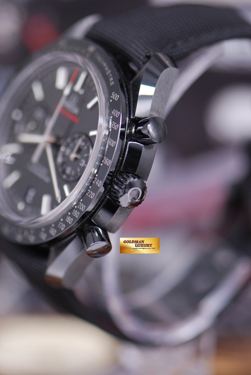 products/GML1301_-_Omega_MoonWatch_Ceramic_Dark_Side_of_the_Moon_-_2.JPG