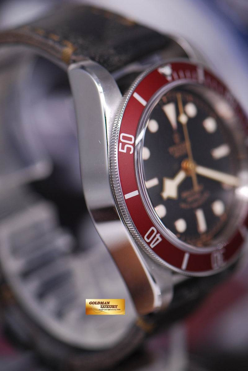 products/GML1359_-_Tudor_Black_Bay_Heritage_41mm_Red_Bezel_Automatic_-_4.JPG
