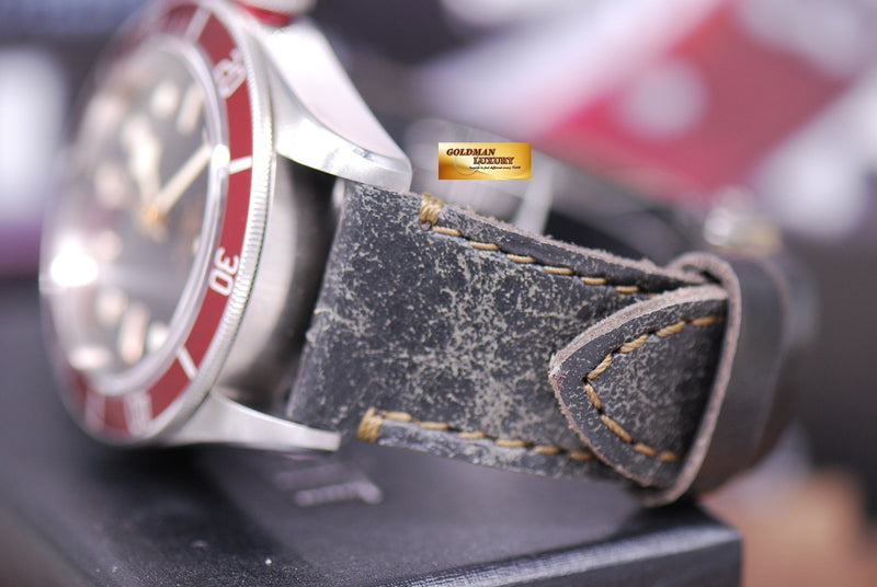 products/GML1359_-_Tudor_Black_Bay_Heritage_41mm_Red_Bezel_Automatic_-_7.JPG
