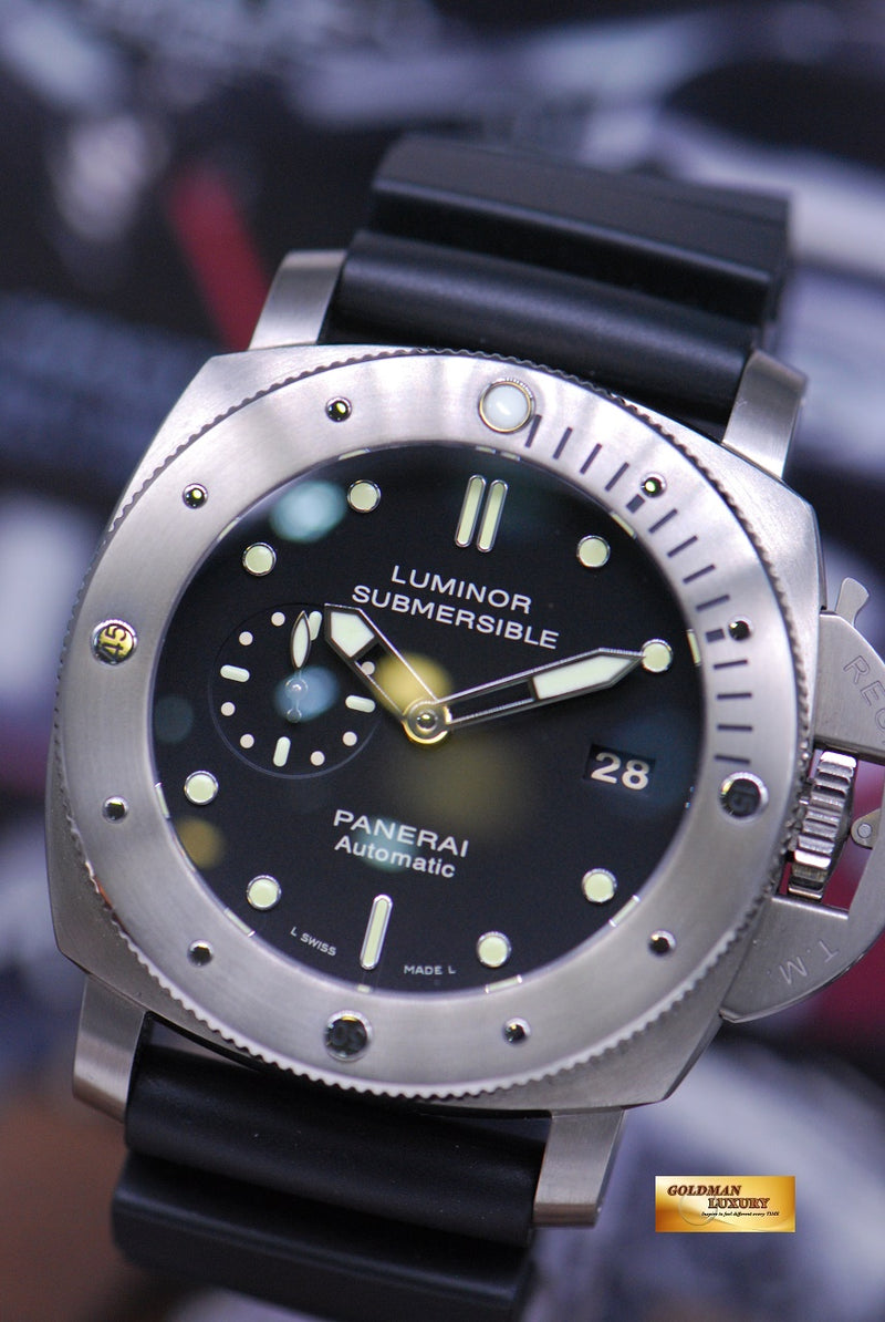 products/GML1561_-_Panerai_Luminor_Submersible_Titanium_Automatic_PAM_305_-_2.JPG