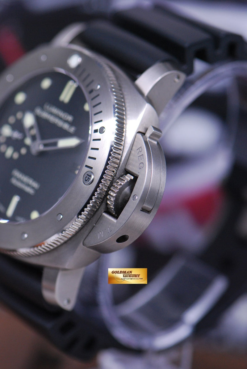 products/GML1561_-_Panerai_Luminor_Submersible_Titanium_Automatic_PAM_305_-_3.JPG