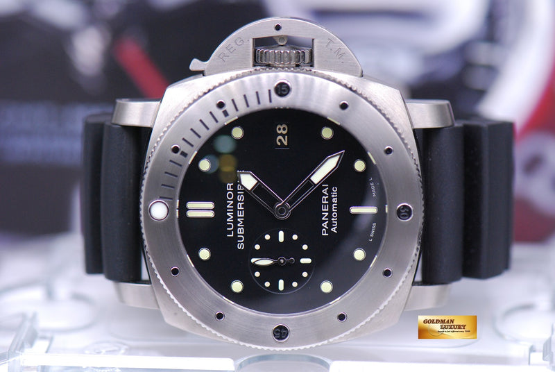 products/GML1561_-_Panerai_Luminor_Submersible_Titanium_Automatic_PAM_305_-_5.JPG