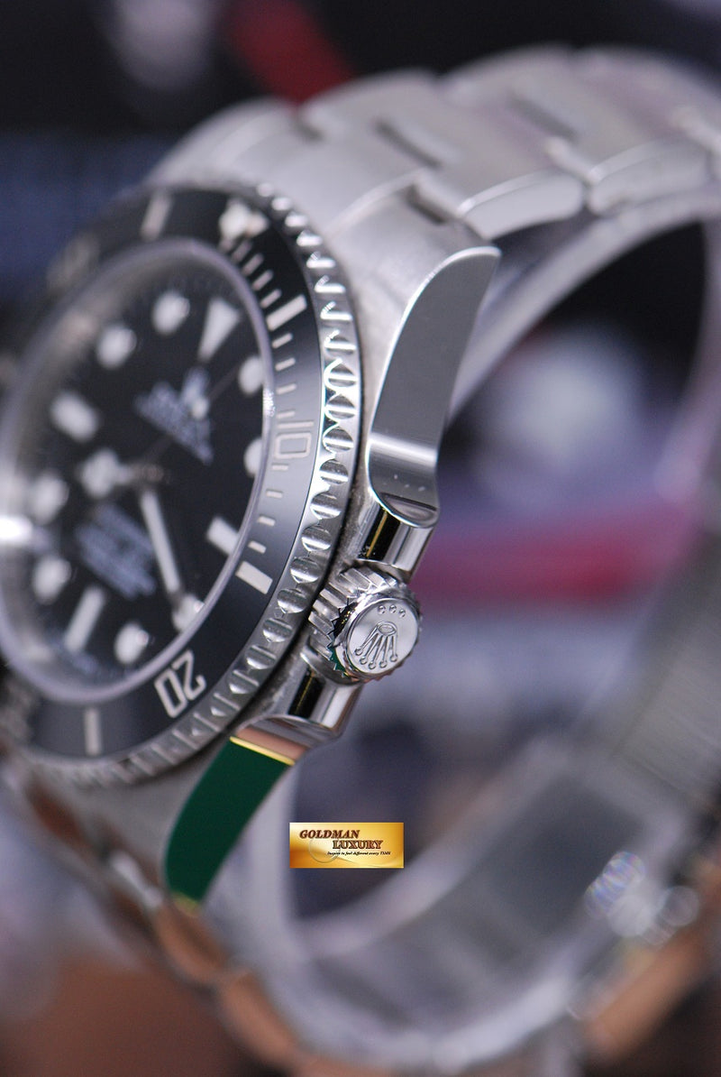 products/GML1675_-_Rolex_Oyster_Submariner_No-Date_Ceramic_Bezel_114060_NEAR_MINT_-_3.JPG