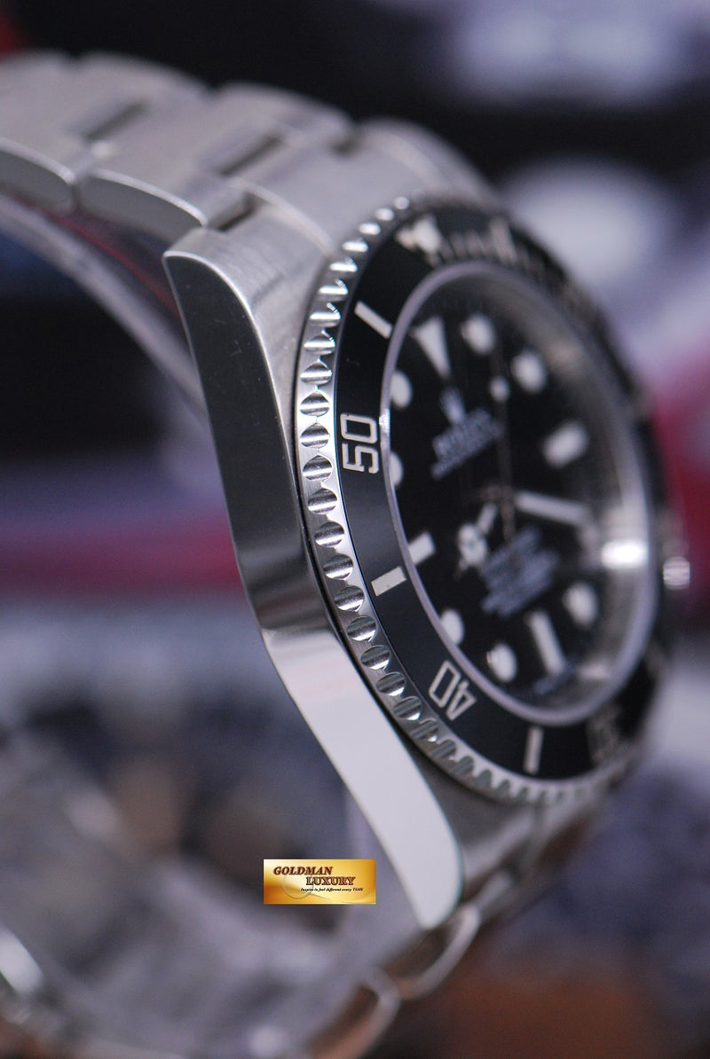 products/GML1675_-_Rolex_Oyster_Submariner_No-Date_Ceramic_Bezel_114060_NEAR_MINT_-_4.JPG