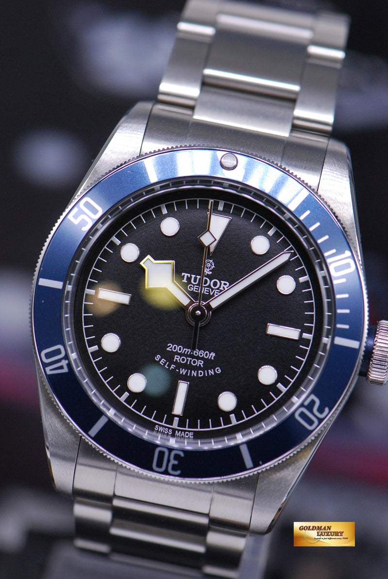 products/GML1815_-_Tudor_Heritage_Black_Bay_Blue_Bezel_79220B_-_2.JPG