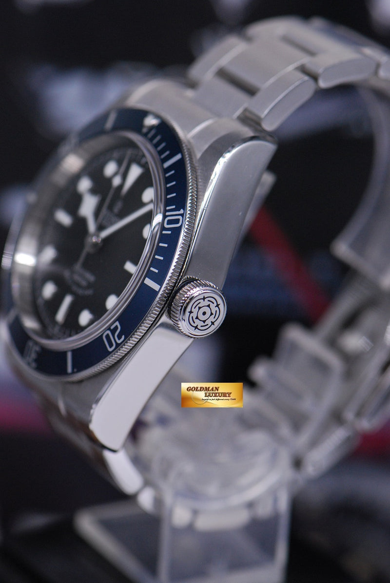 products/GML1815_-_Tudor_Heritage_Black_Bay_Blue_Bezel_79220B_-_3.JPG