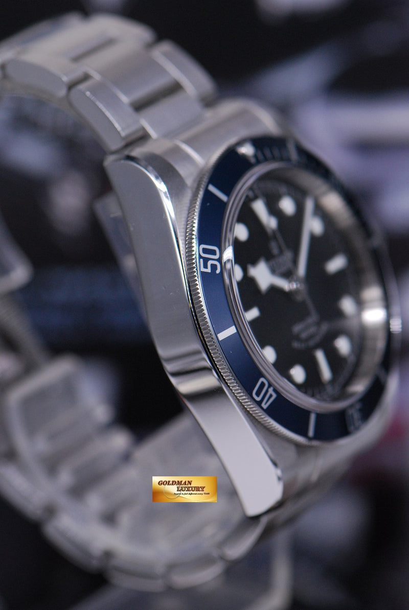 products/GML1815_-_Tudor_Heritage_Black_Bay_Blue_Bezel_79220B_-_4.JPG