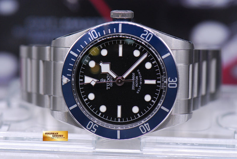 products/GML1815_-_Tudor_Heritage_Black_Bay_Blue_Bezel_79220B_-_5.JPG