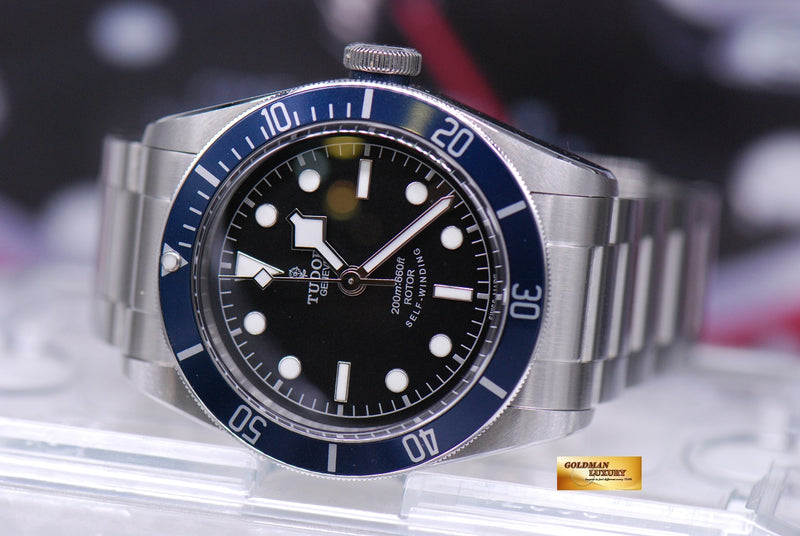 products/GML1815_-_Tudor_Heritage_Black_Bay_Blue_Bezel_79220B_-_9.JPG