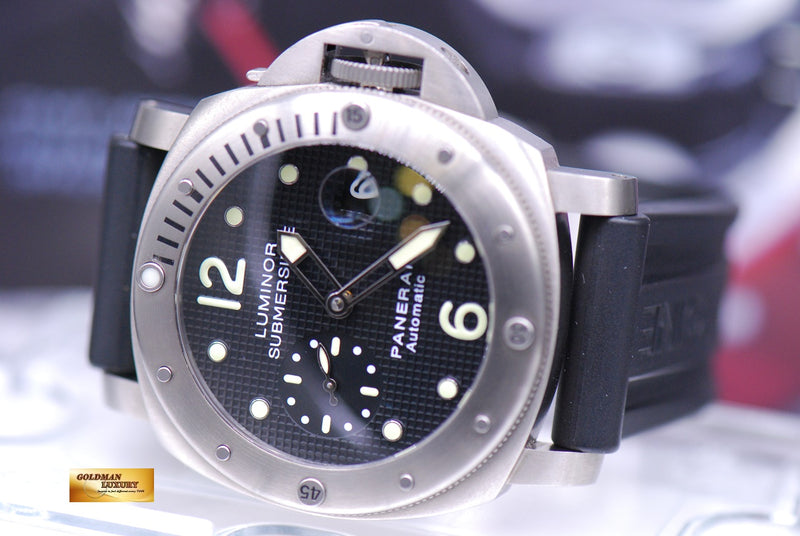 products/GML1858_-_Panerai_Luminor_Submersible_Titanium_44mm_Waffle_Dial_PAM_25_-_10.JPG