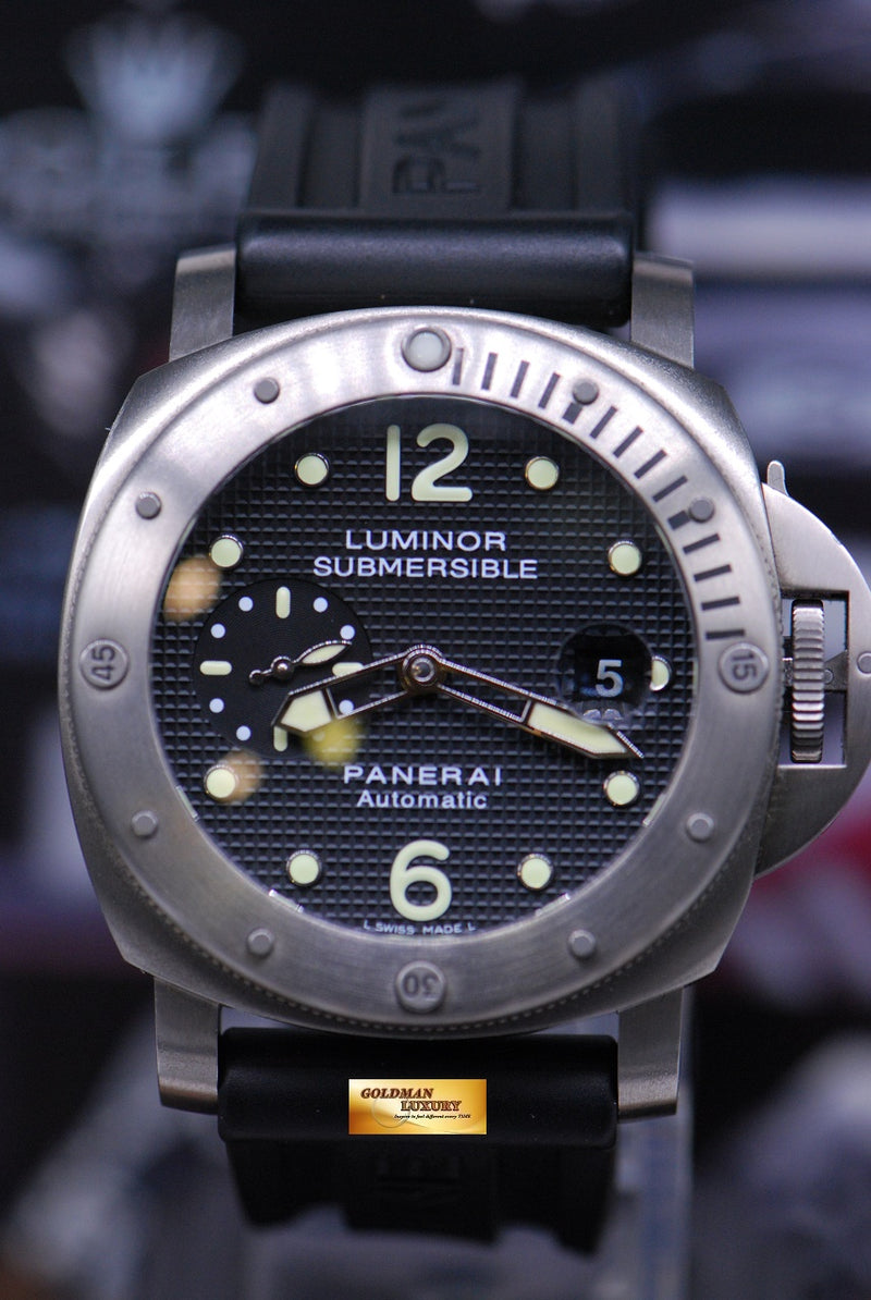 products/GML1858_-_Panerai_Luminor_Submersible_Titanium_44mm_Waffle_Dial_PAM_25_-_1.JPG