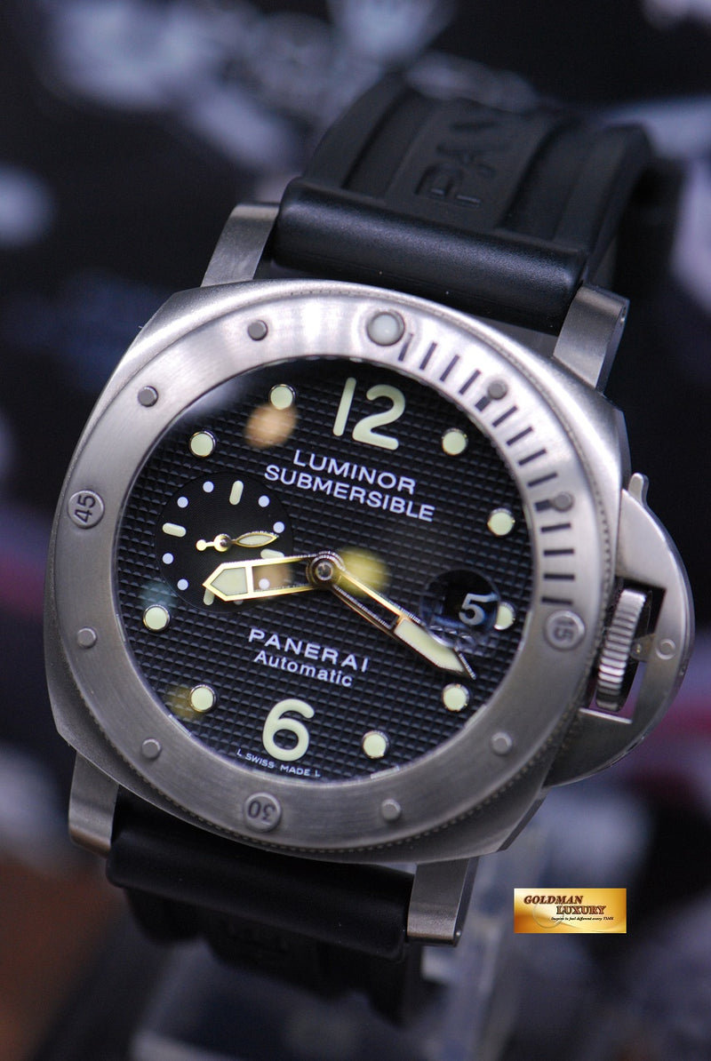 products/GML1858_-_Panerai_Luminor_Submersible_Titanium_44mm_Waffle_Dial_PAM_25_-_2.JPG