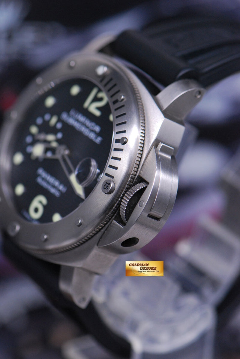 products/GML1858_-_Panerai_Luminor_Submersible_Titanium_44mm_Waffle_Dial_PAM_25_-_3.JPG
