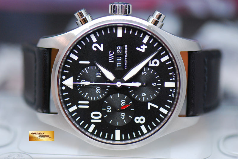 products/GML1924_-_IWC_Pilot_42mm_Day-Date_Chronograph_Black_IW3777_-_5.JPG