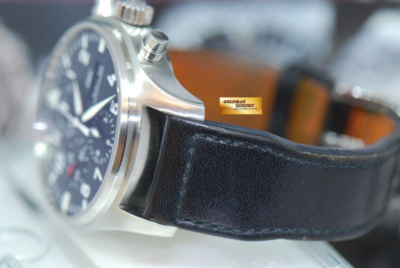 products/GML1924_-_IWC_Pilot_42mm_Day-Date_Chronograph_Black_IW3777_-_6.JPG