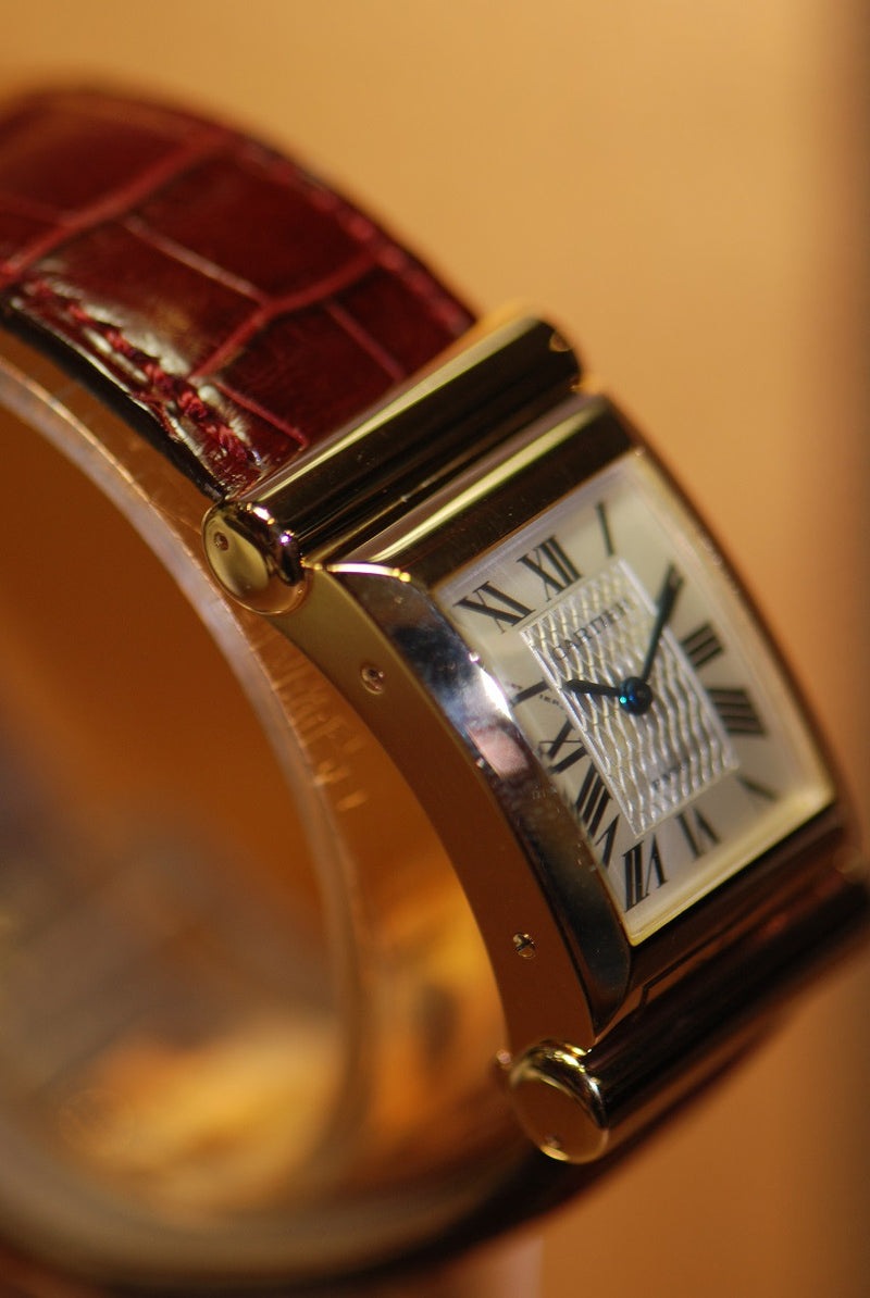 products/GML311_-_Cartier_18KRG_Curved_150th_Anniversary_Manual_-_4_fc6557f2-98c3-456e-8eb8-3539ef3c23d6.JPG