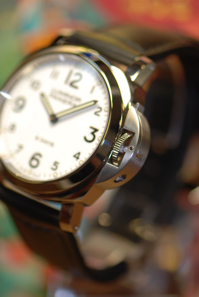 products/GML321_-_Panerai_Luminor_8-Days_PAM_561_Manual_NEW_-_3.JPG