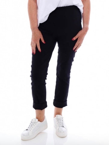 Stehmann Black Cropped