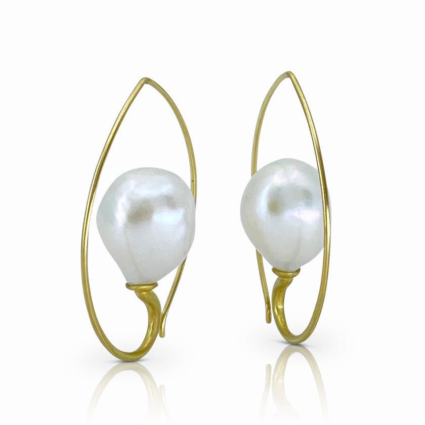 Inverted Drop Earrings in 18K Gold with Fresh Water Pearls