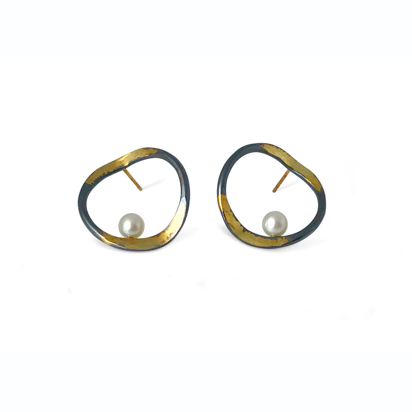 V forged hoops with a splash of gold on sterling silver, fresh water pearl