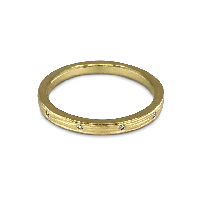 Twinkle Band with 10 diamonds in 18K Gold or Platinum