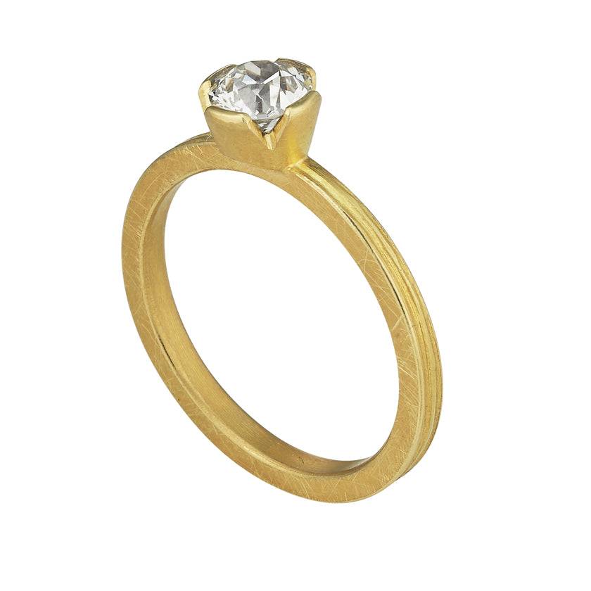 Textured Single Stone Band in 18K Yellow Gold