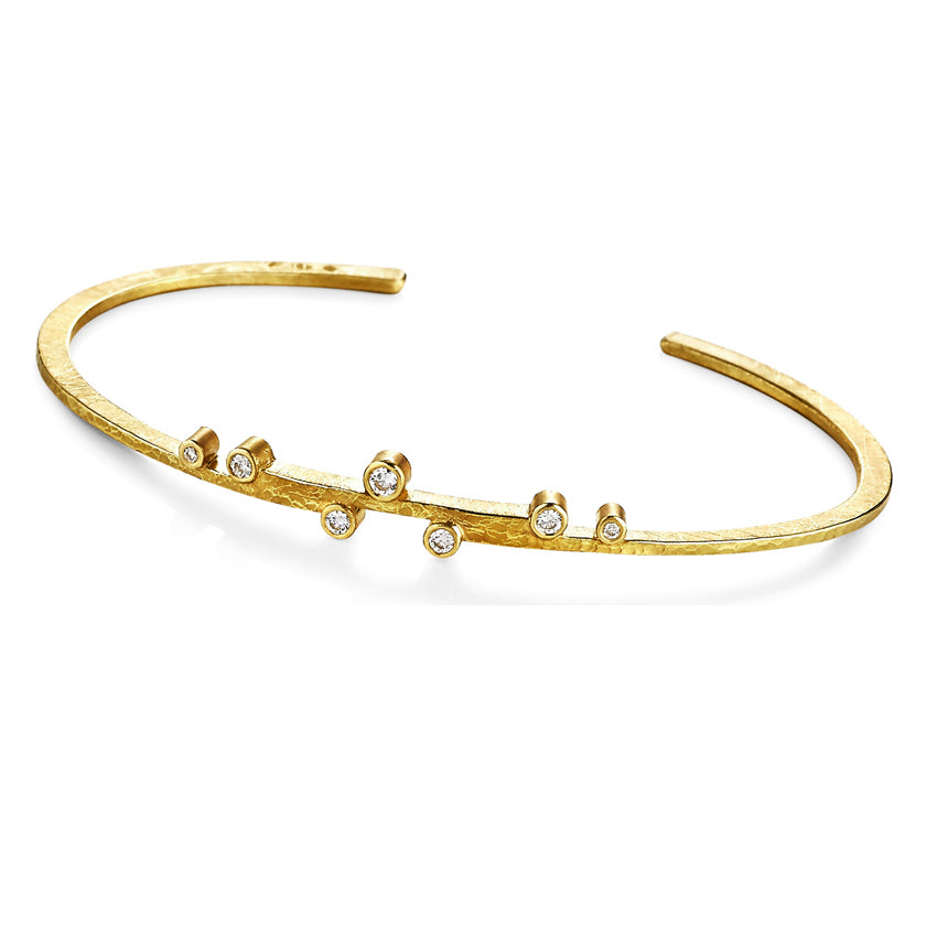 Linear Stepped Cuff in 18K Gold with Diamonds